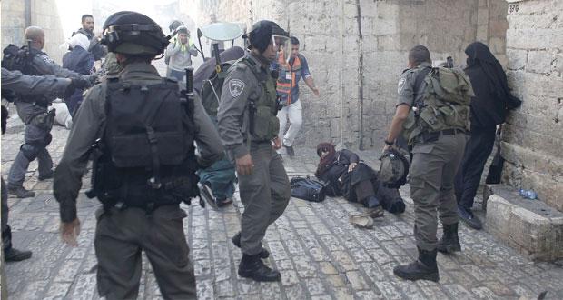 الاحتلال يقتحم (الأقصى) ويعتدي على (المرابطين) والأمم المتحدة تطالبه بوقف الاستفزازات