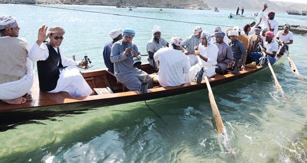 """السياحة تنظم المهرجان البحري """"استرجع التاريخ البحري"""" بخور البطح بولاية صور"""