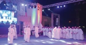 تواصل مهرجان فرق الفنون الشعبية العمانية واليوم بدء الندوة المصاحبة