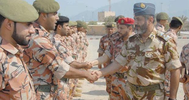 التوجيه المعنوي ينظم زيارات لعدد من الوحدات والقواعد العسكرية والمواقع الحدودية بمحافظة مسندم