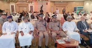 """مؤتمر """"النقل العام عمان 2014″ يوصي بإنشاء هيئة مستقلة تعنى بوسائل النقل العام وتهيئة البنية الأساسية لمحطات الانتظار"""