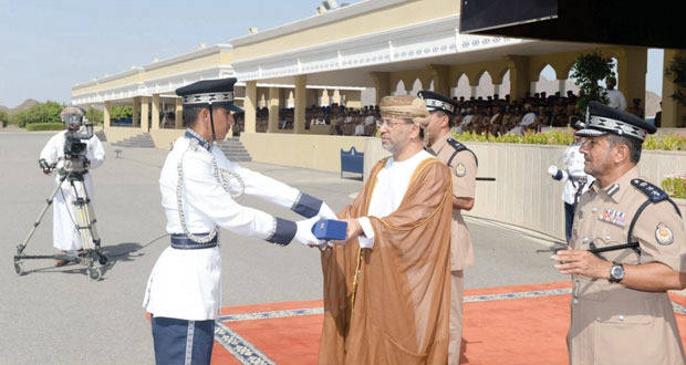 شرطة عمان السلطانية تحتفل بتخريج الدفعة الستين من فصائل الشرطة المستجدين