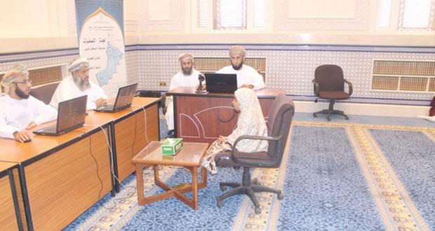 لجنة مسابقة السلطان قابوس للقرآن الكريم تلتقي المشاركين بجعلان بني بو حسن