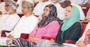 """الندوة الوطنية """"التعليم في سلطنة عمان ـ الطريق إلى المستقبل"""" تناقش مشروع قانوني التعليم المدرسي والعالي"""