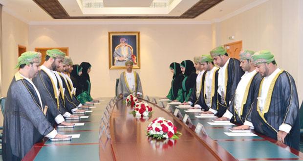 14 وكيل ادعاء عام ثان بينهم أربع نساء يؤدون القسم أمام المدعي العام