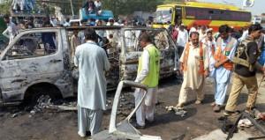 11 بين قتيل وجريح بانفجار حافلة في باكستان
