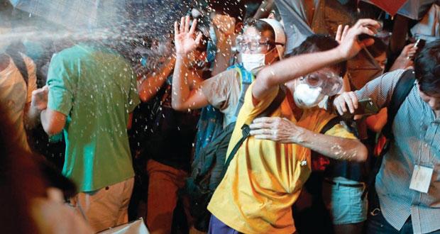 """هونج كونج : الحوار """" مهدد """" بعد إزالة موقع تجمع لدعاة الديمقراطية"""