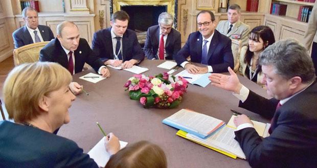 أوكرانيا : التوصل لاتفاق حول الغاز وتبادل الأسرى وسط استمرار المعارك في دونيتسك