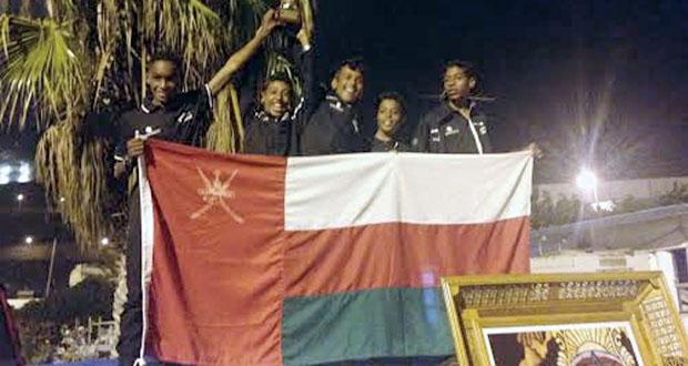 في البطولة الإفريقية لقوارب الأوبتمست بالمغرب.. فريق عُمان للإبحار للناشئين يتوج بميدالية فضية