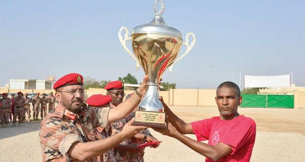 الجيش السلطاني العماني ينظم سباق ظفار السنوي