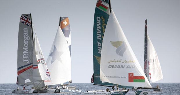 """قوارب عُمان للإبحار """"الموج مسقط"""" و""""الطيران العُماني"""" تختتم مشاركتها في الجولة السابعة لسلسلة سباقات الإكستريم"""