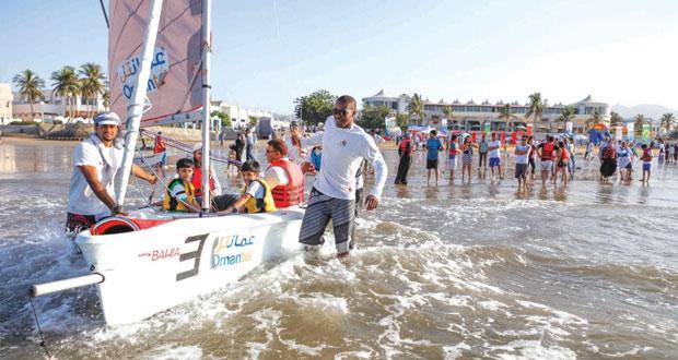 عمان للإبحار يستعد لتنظيم فعالية شاطئية مفتوحة في شاطئ القرم