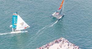 """فريق عُمان للإبحار يفوز بسباق استعراضي على متن قارب """"الطيران العماني"""" في باركولانا الإيطالية"""