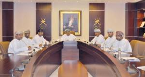 لجنة الرياضة والبيئة باللجنة الأولمبية العمانية تناقش خططها وسبل تعزيز دورها