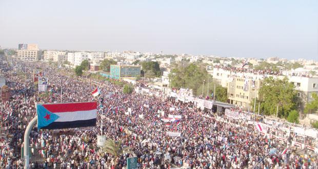 اليمن: (الحراك) ينصب خيام الاعتصام في عدن وتضارب الأنباء حول سيطرة الحوثيين بالحديدة