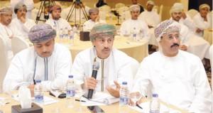 وزارة السياحة تواصل التعريف بمشروع الاستراتيجية العمانية للسياحة في محافظات السلطنة