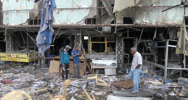العراق: العبادي يحذر من خطر الإرهاب ووزير دفاعه يتعهد بمحاسبة المسؤولين عن (التراجع)