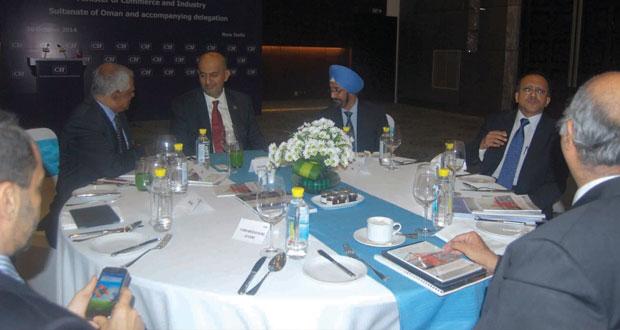 رجال الأعمال يبحثون فرص الاستثمار بين السلطنة والهند