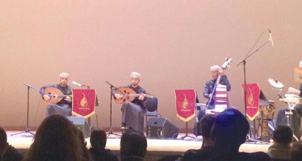 أعضاء جمعية هواة العود يحيون الجولة الأولى لحفلاتهم الموسيقية في أميركا