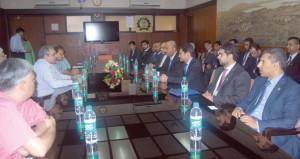 السلطنة تعرض الفرص الاستثمارية على رجال الأعمال بمومباي وتبحث تعزيز التعاون الاقتصادي