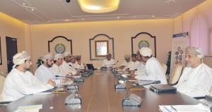الغرفة تناقش لائحتها التنفيذية وآليات تنظيم تسيير الوفود التجارية من المؤسسات الصغيرة والمتوسطة