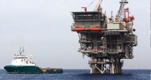 إبقاء معدلات الإنتاج يهوي بأسعار النفط ويجبر دول الخليج على البحث عن بدائل اقتصادية
