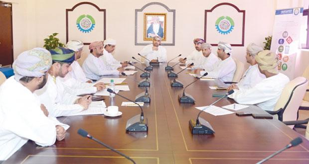 لجنة الموارد البشرية وسوق العمل بالغرفة تتبنى إقامة دورات تدريبية للمؤسسات الصغيرة والمتوسطة
