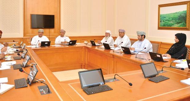 اللجنة الصحية بالشورى تناقش مشروعي قانون تنظيم مهنة الصيدلة والمخدرات والمؤثرات العقلية