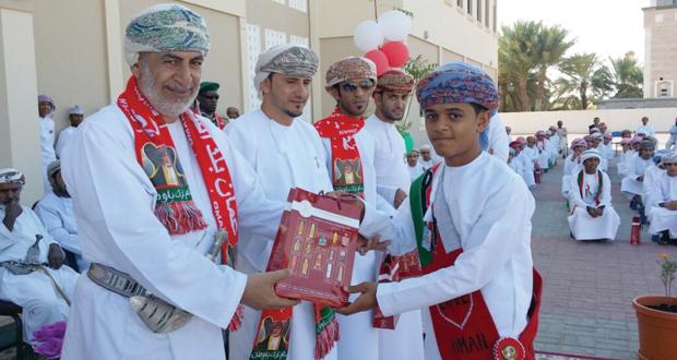 عدد من مدراس السلطنة تحتفل بالعيد الوطني الرابع والاربعين المجيد