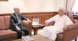 الأمين العام لمركز السلطان قابوس العالي للثقافة والعلوم يستقبل الباحث الإسلامي على الكيالي