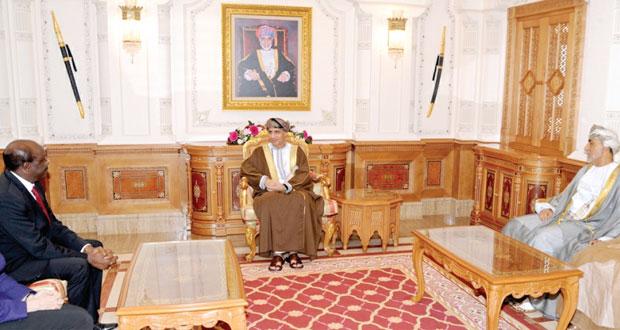 فهد بن محمود يؤكد أن السلطنة بقيادة جلالته سخرت كافة إمكاناتها لتنمية الموارد البشرية والطبيعية وتنويع الاقتصاد إلى جانب تشجيع المؤسسات الصغيرة والمتوسطة