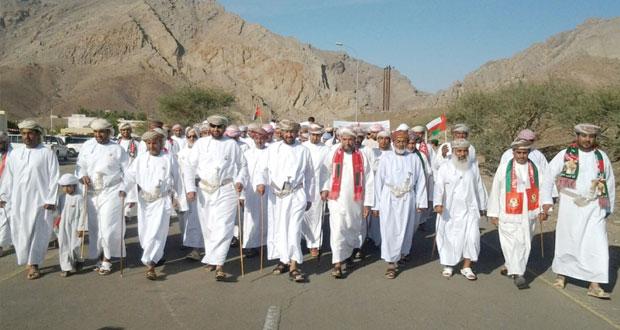 المواطنون يواصلون التعبير عن فرحتهم بالعيد الوطني المجيد ويجددون الولاء العرفان للقائد المفدى
