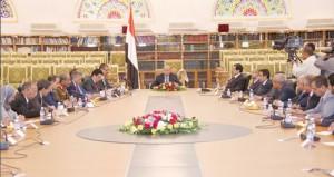 الحكومة اليمنية تؤدي القسم ومجلس الأمن يدعو القوى السياسية للاتحاد