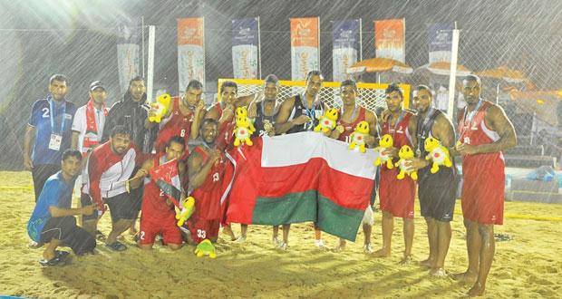 منتخبنا لكرة اليد الشاطئية يكسب الفضية الوحيدة للسلطنة في الألعاب الآسيوية ببوكت