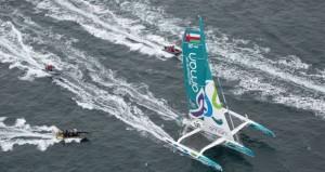 """في سباق """" روت دورام"""" المحيطي أداء القارب """" مسندم """" يشهد تباينا في مستوى اليوم الأول للسباق وسط طقس متقلب"""
