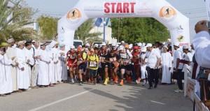 انطلاقة مثيرة لفعاليات ماراثون عمان الصحراوي العالمي في نسخته الثانية