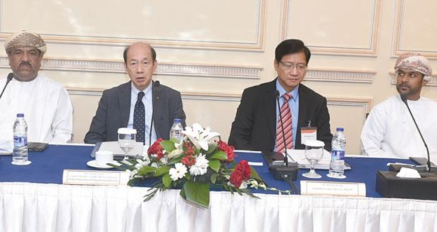مؤتمر هونج كونج للأعمال يبحث الفرص الاستثمارية التجارية بالسلطنة