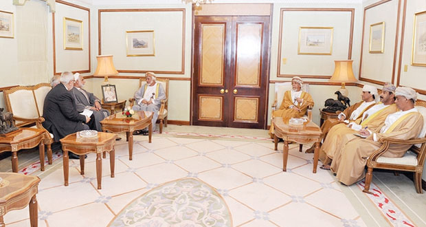 يوسف بن علوي وسالم الكعبي يستقبلان رئيس لجنة العلاقات الخارجية للجنة الأمن الوطني والسياسة الخارجية بمجلس الشورى الإيراني
