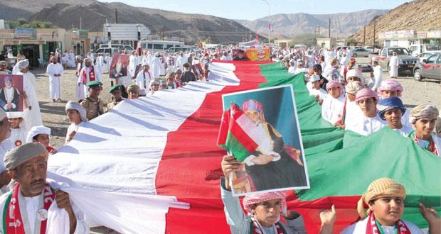 مسيرات الحب والولاء لعاهل البلاد تتواصل بمختلف محافظات السلطنة