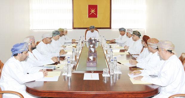 وزير الإعلام يلتقي رؤساء تحرير وكالة الأنباء العمانية والصحف المحلية