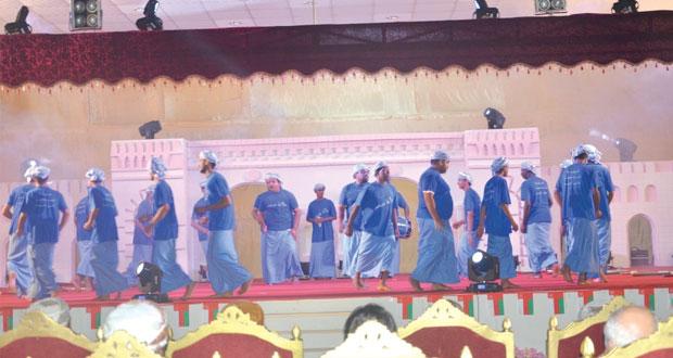 """جامعة صحار تحتفل بالعيد الوطني الـ""""44″ المجيد بأوبريت """"طابت أيامك مولانا"""""""