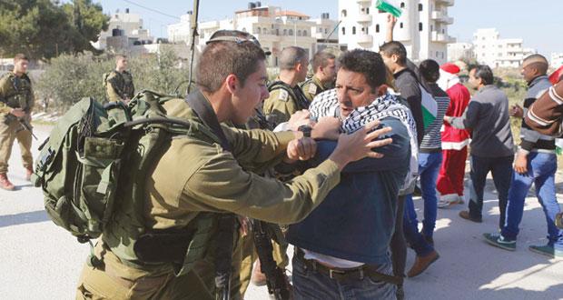 الاحتلال يقمع ويعتقل بالضفة ومستوطنوه ينشرون إرهابهم