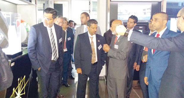 """وفد غرفة تجارة وصناعة عمان يطلع على تجارب الشركات الأسبانية.. و""""انديرا"""" تفتتح مكتبا لإدارة عملياتها في السلطنة"""