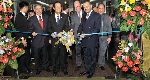 الرئيس التنفيذي للطيران العماني: خطة توسعية تنتهجها الشركة.. والمحطات سترتفع إلى (50) بنهاية 2016