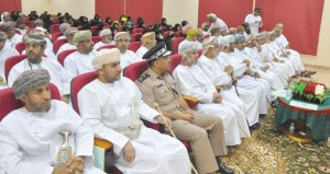 محافظة الظاهرة تحتفل باليوم العماني للتطوع