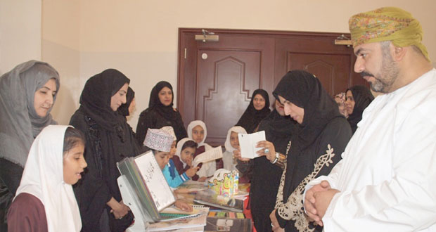 تعليمية مسقط تحتفل باليوم العالمي للغة العربية