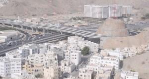 بلدية مسقط تواصل تنفيذ شبكة من الطرق الحديثة تعزز كفاءة الحركة المرورية بمحافظة مسقط