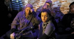 الاحتلال يصيب فلسطينية بالضفة ويعتقل والدها وخطيبها بزعم طعنها إسرائيليا