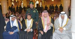 جلالة السلطان يعزي خادم الحرمين وفهد بن محمود يشارك في أداء صلاة الجنازة