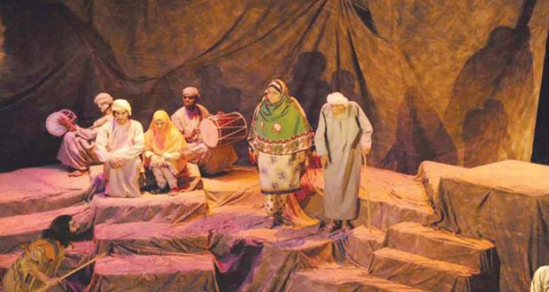 """"""" بازار"""" لفرقة مسرح الدن للثقافة والفن تنقل صورها الإنسانية إلى إيران"""
